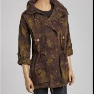 Willow & Clay funnel coat. Black /Army tie dye.